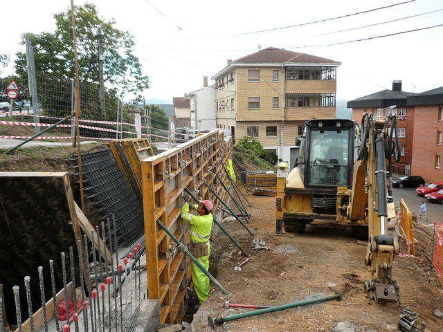 Excavaciones Emilio - Construcción de muro Verdeamor. Tineo - EXCAVACIONES Y TRANSPORTES EMILIO S.L.
